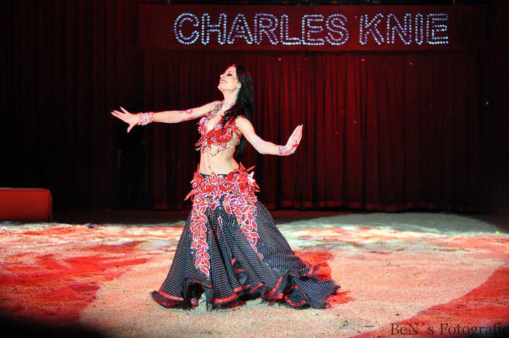 Tänzerin vom Show-Ballett Charles Knie