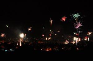Feuerwerk über Delligsen