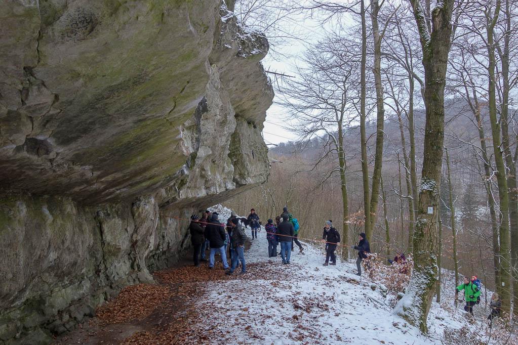Dank der Seilsicherung konnten alle Wanderer die steile und glitschige Passage gut bewältigen